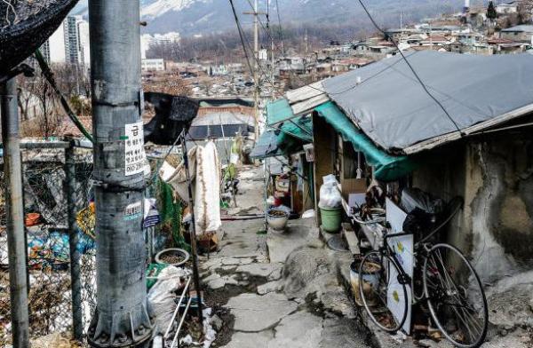 这才是韩国穷人的真实生活,比韩剧惨100倍!