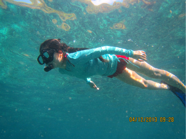 与大海龟亲密接触,普吉岛 斯米兰 达差处女岛浮潜;曼谷泼水节 大皇宫