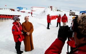 【南极洲图片】2013南极行之6-6 - 访问长城站--歌唱祖国
