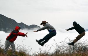 【汶川图片】盘龙山的一群2b小青年