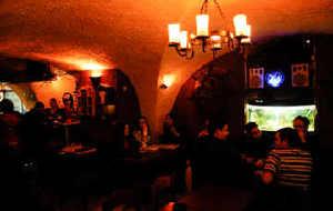 以色列娱乐-Blue Hole Pub