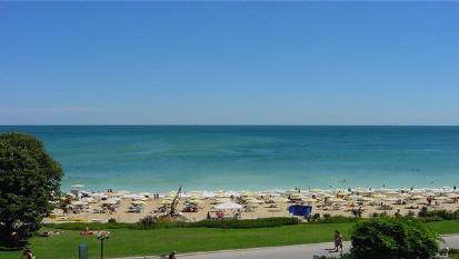 金沙拥有洁净的海滩,茂密的森林,优质的温泉,古老的.
