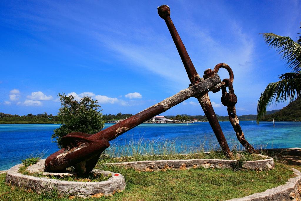 长堤国际公园位于在科罗岛通往kb大桥的主干道旁,当地人常常在这里