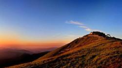 五台山景点-西台挂月峰