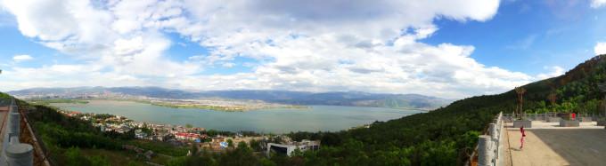 邛海风景区        从泸山下山后,我们开车来到了邛海风景区,这个