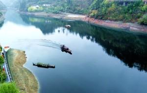 【酉阳图片】酉水河上大溪镇。