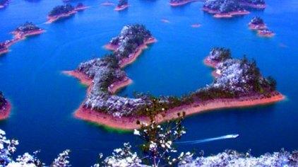 距千岛湖镇10千米,景点占地面积80公顷