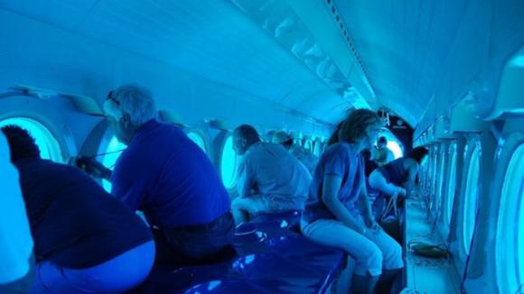 关岛亚特兰蒂斯号潜水艇 有中文解说图片