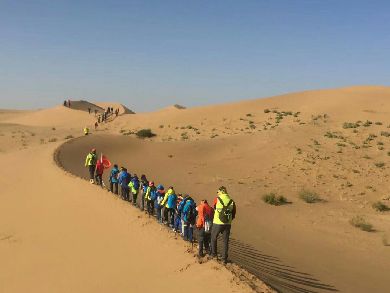在國慶假期一起去騰格里沙漠徒步穿越
